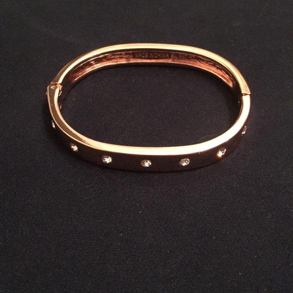 Jewelry - Rose gold bangle